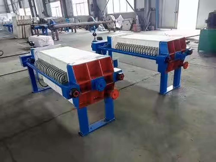 Edible oil plate filters
